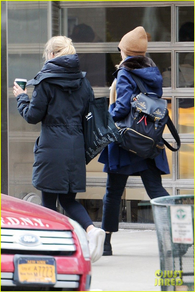 carey mulligan dianna agron hang out nyc 13