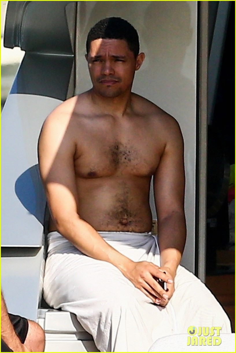 trevor noah goes shirtless on yacht in miami 044258085