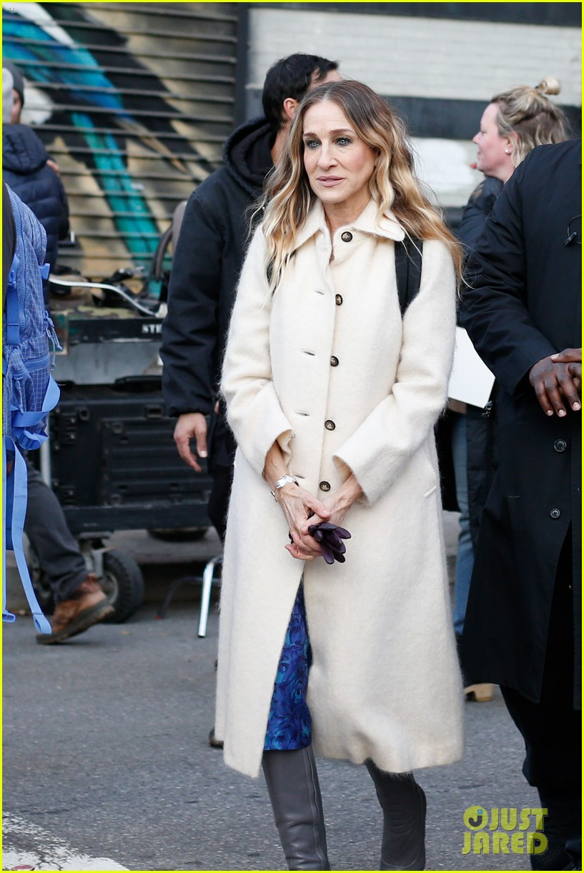 sarah jessica parker makes five outfit changes on last day of divorce filming 01
