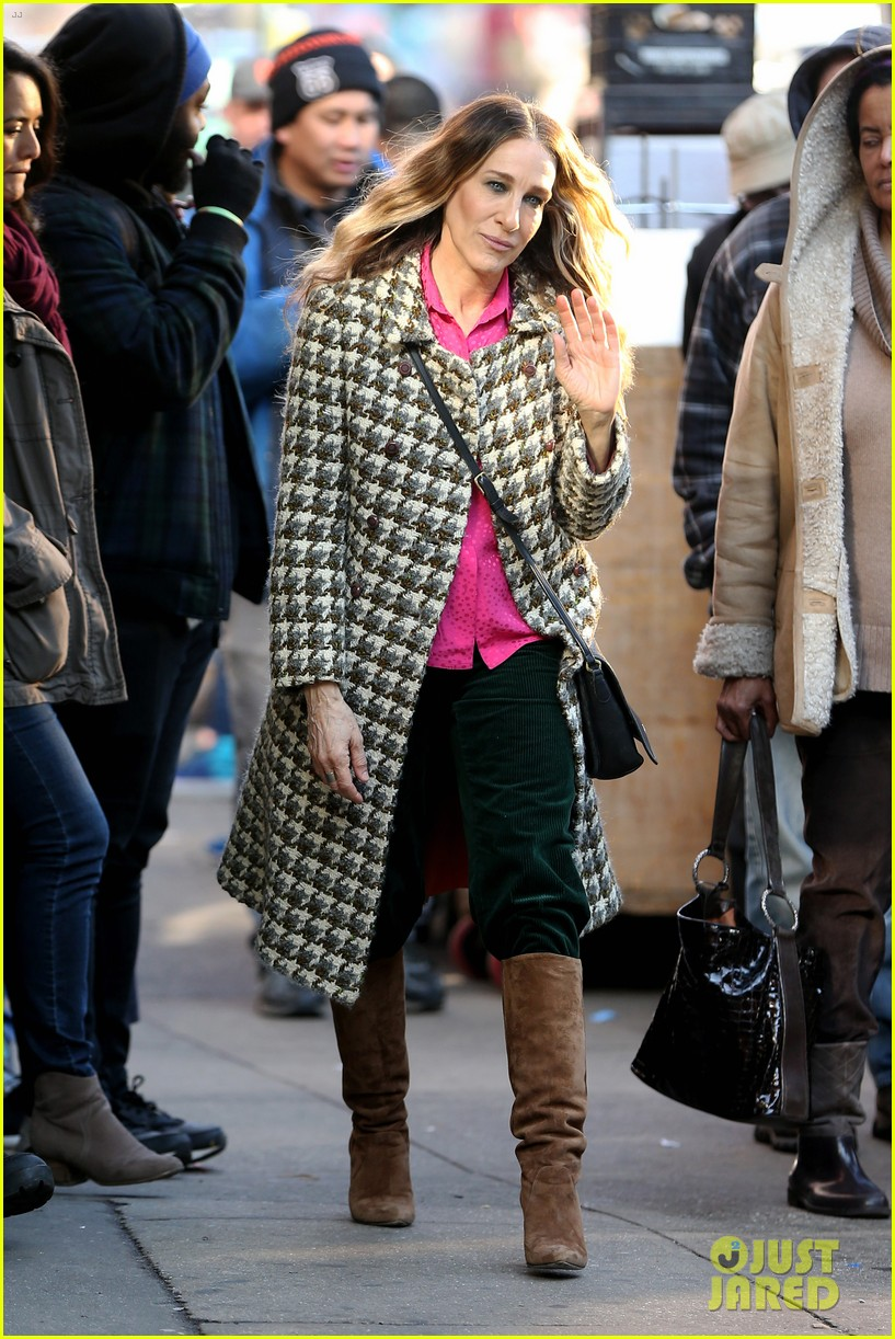 sarah jessica parker makes five outfit changes on last day of divorce filming 02