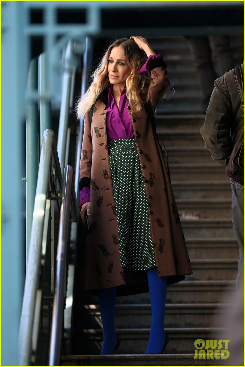 sarah jessica parker makes five outfit changes on last day of divorce filming 06