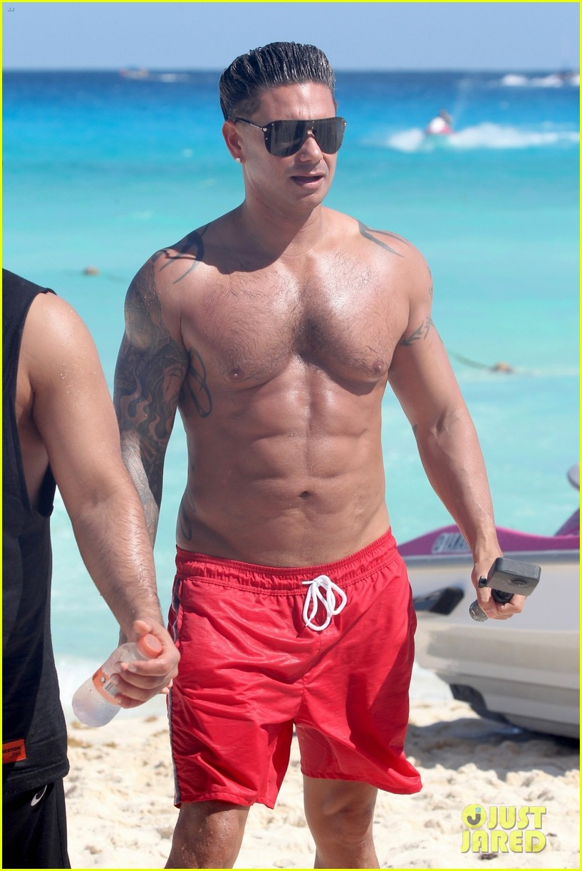 jersey shore pauly d vinny go shirtless in cancun 024260663