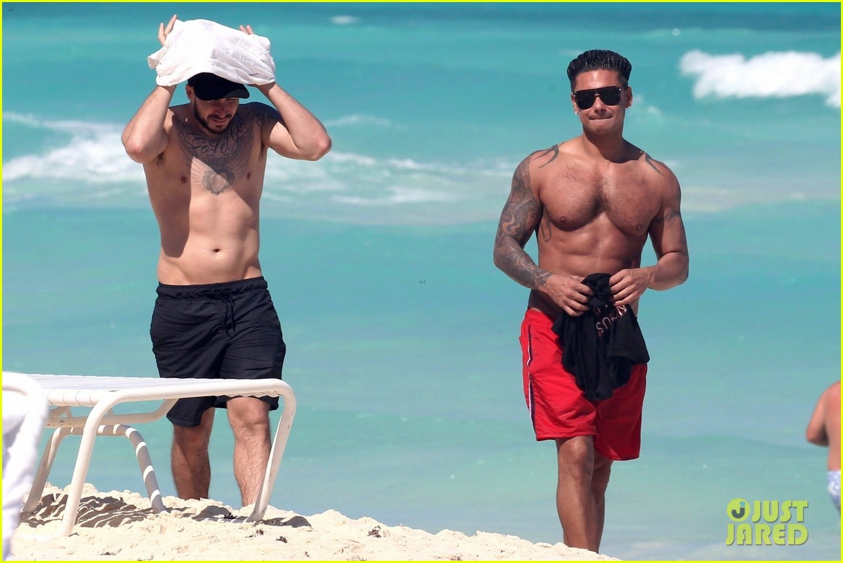 jersey shore pauly d vinny go shirtless in cancun 104260671