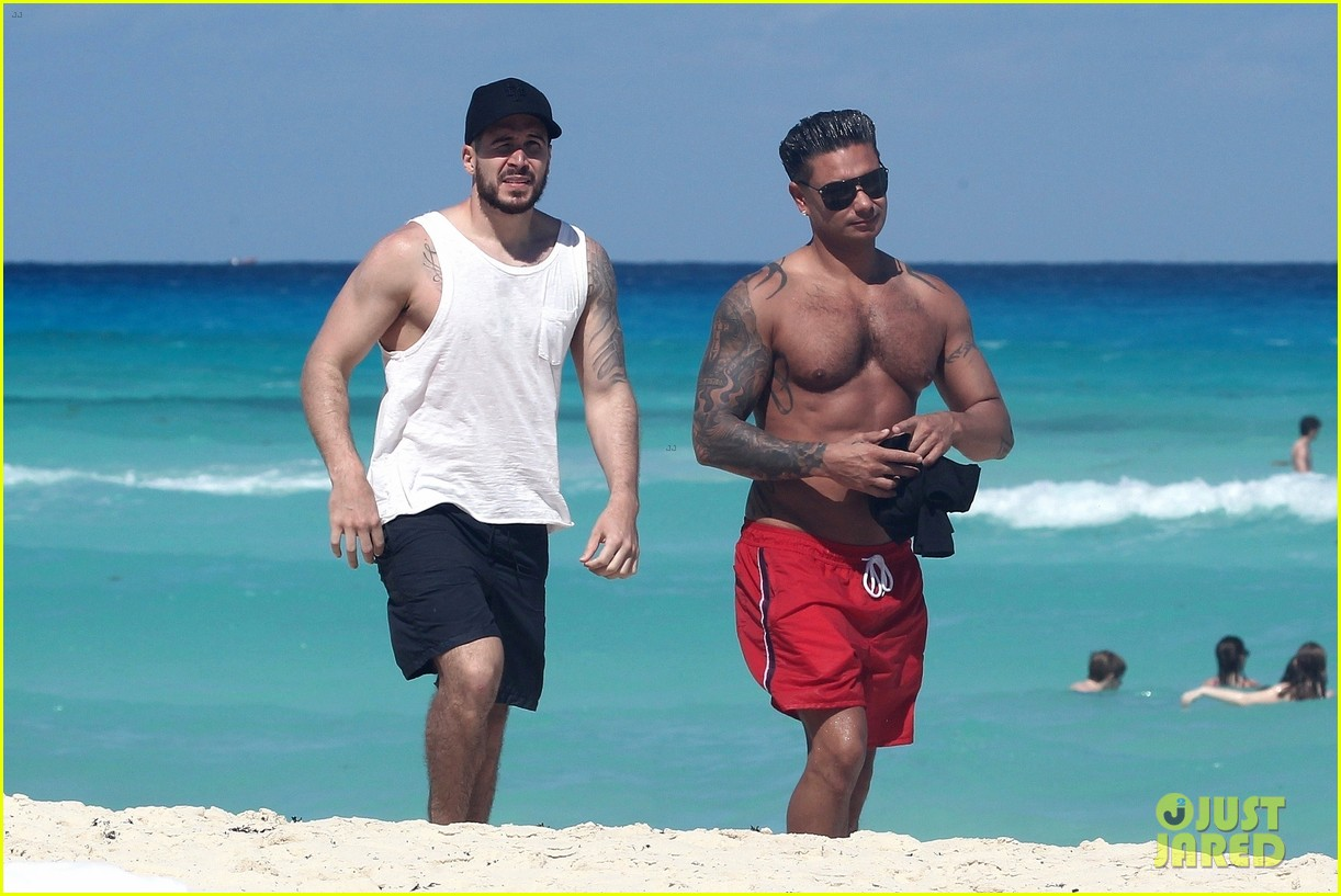 jersey shore pauly d vinny go shirtless in cancun 214260682