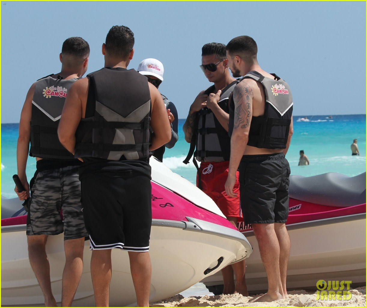 jersey shore pauly d vinny go shirtless in cancun 504260711