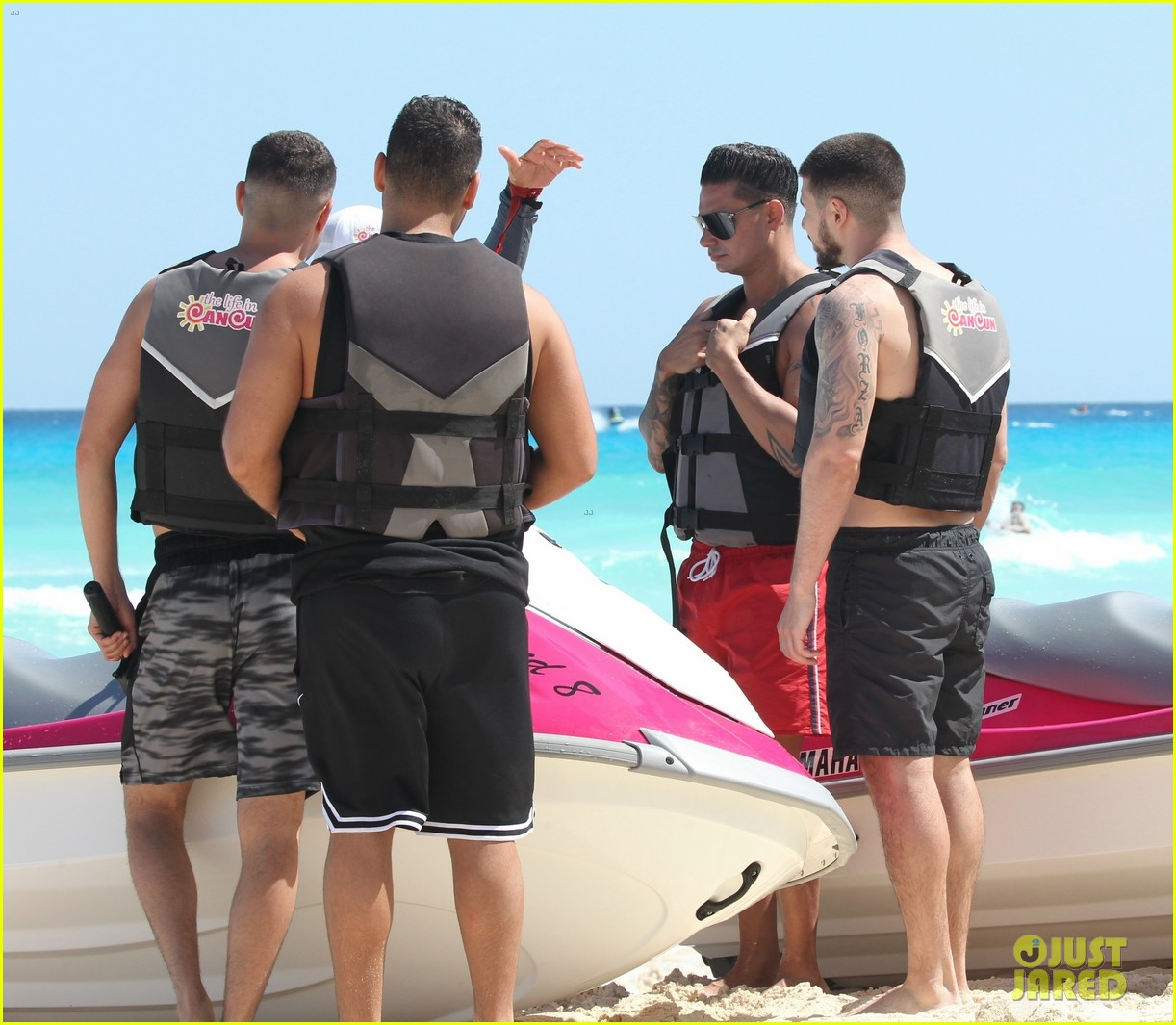jersey shore pauly d vinny go shirtless in cancun 514260712
