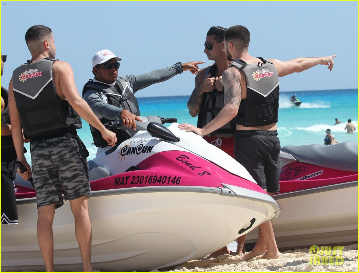 jersey shore pauly d vinny go shirtless in cancun 534260714