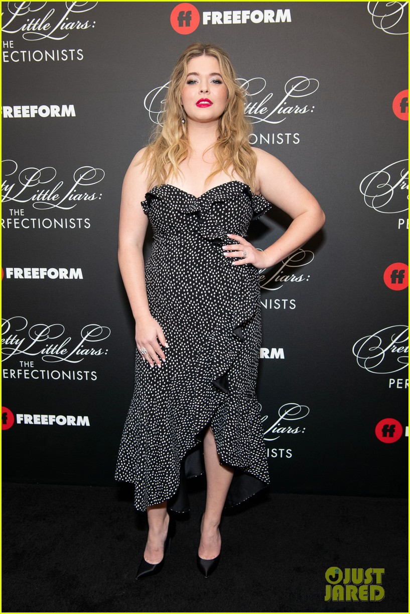 cast of pll the perfectionists stun at los angeles premiere 02