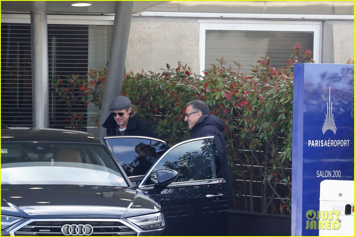 brad pitt arrives in paris france 044254796