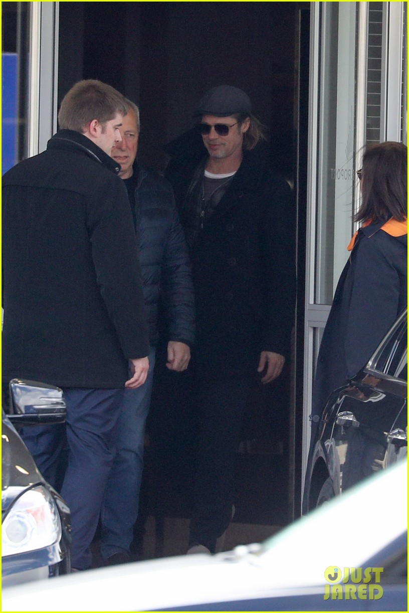brad pitt arrives in paris france 114254803