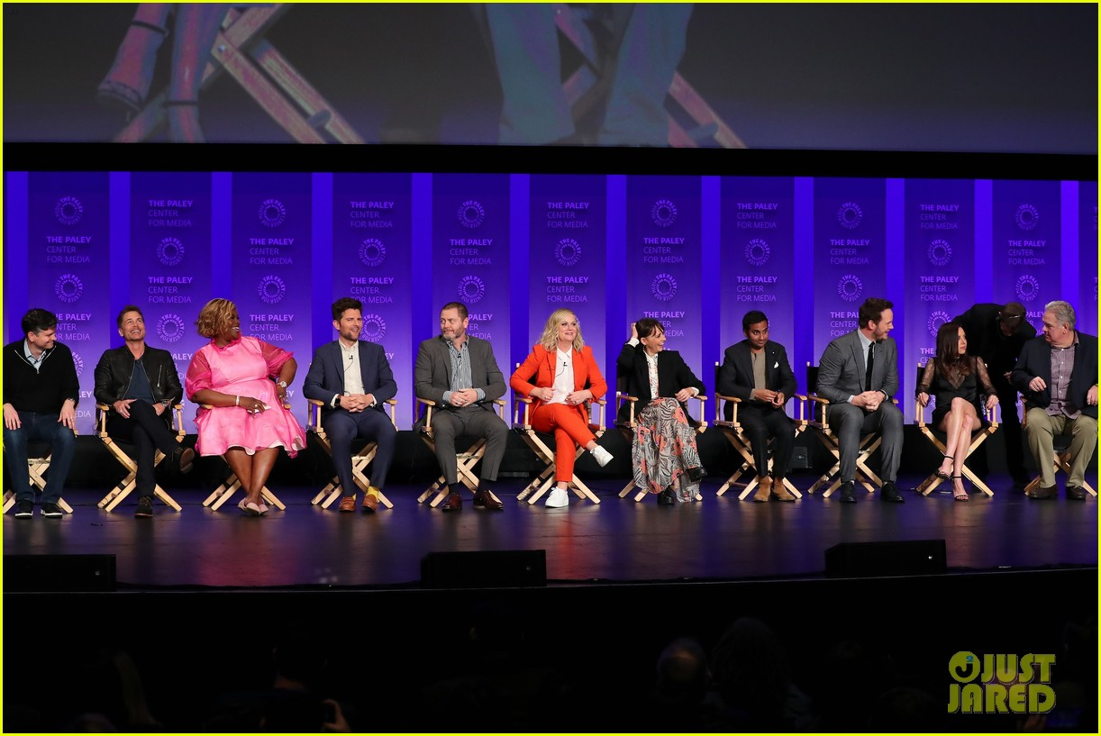 amy poehler parks and recreation reunion 03