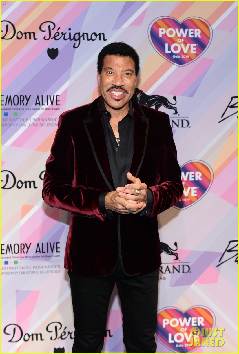 lionel richie honored keeping memory alive power of love gala 014258356