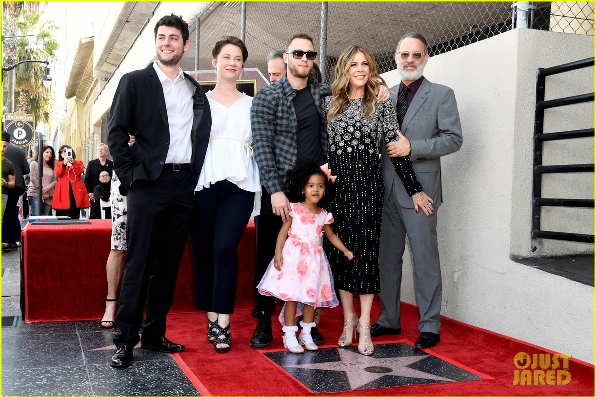 rita wilson hollywood walk of fame ceremony 03