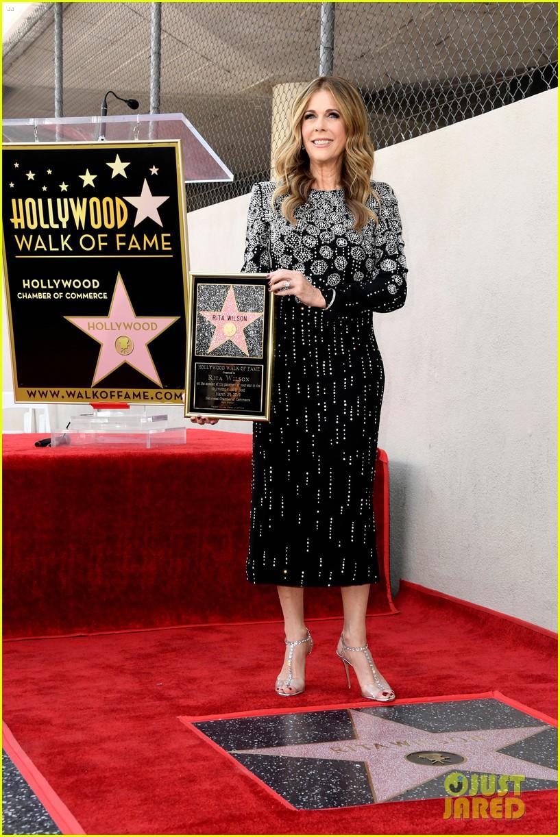 rita wilson hollywood walk of fame ceremony 16