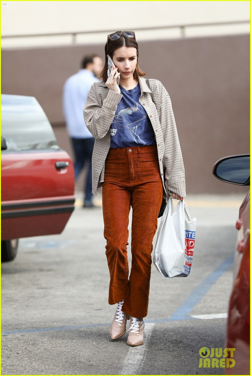 emma roberts steps out after dating update 024260751