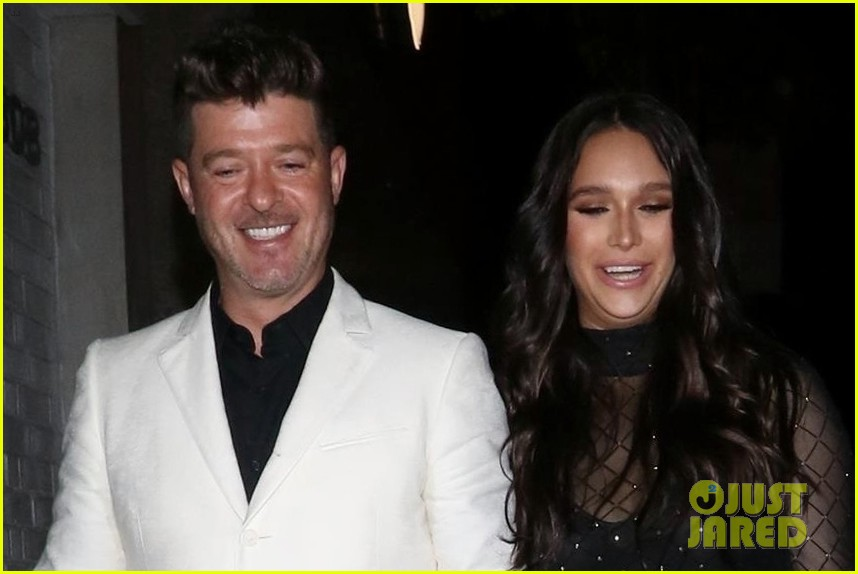 robin thicke april love geary couple up for night out 074255315
