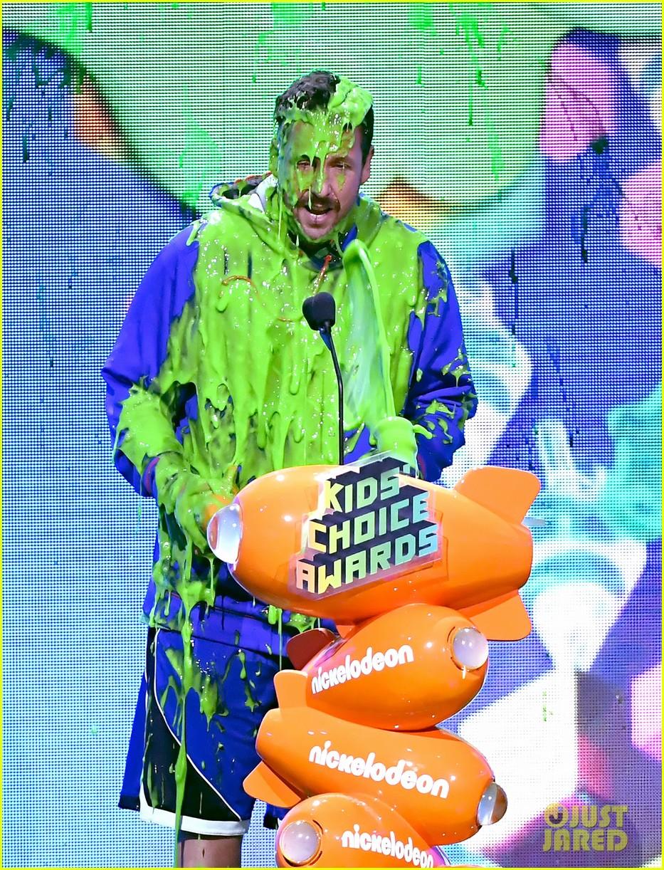 adam sandler gets slimed at kids choice awards 01