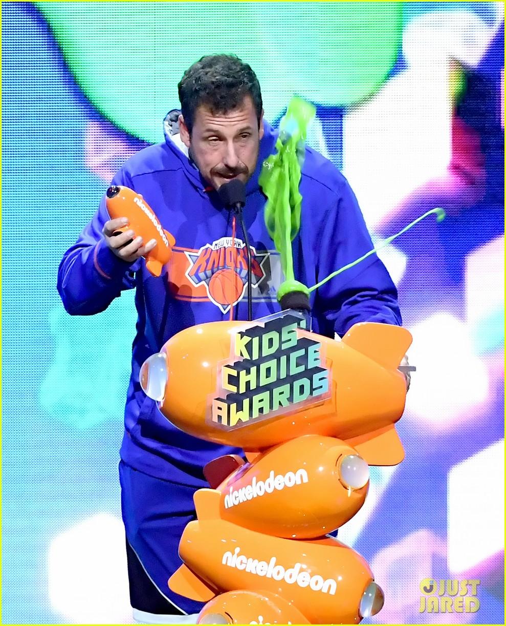 adam sandler gets slimed at kids choice awards 02