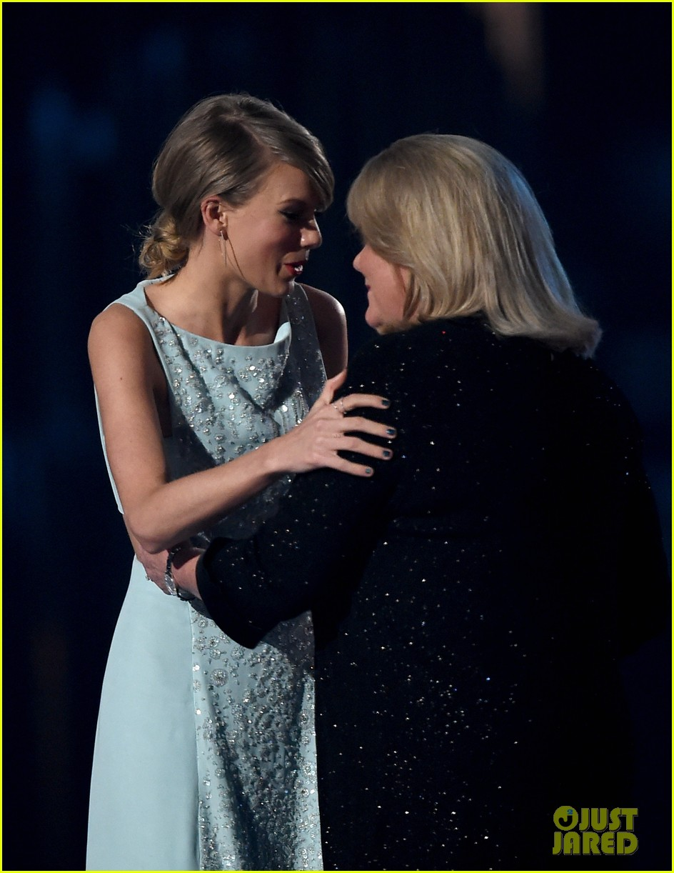 taylor swift mom andrea cancer 014252443