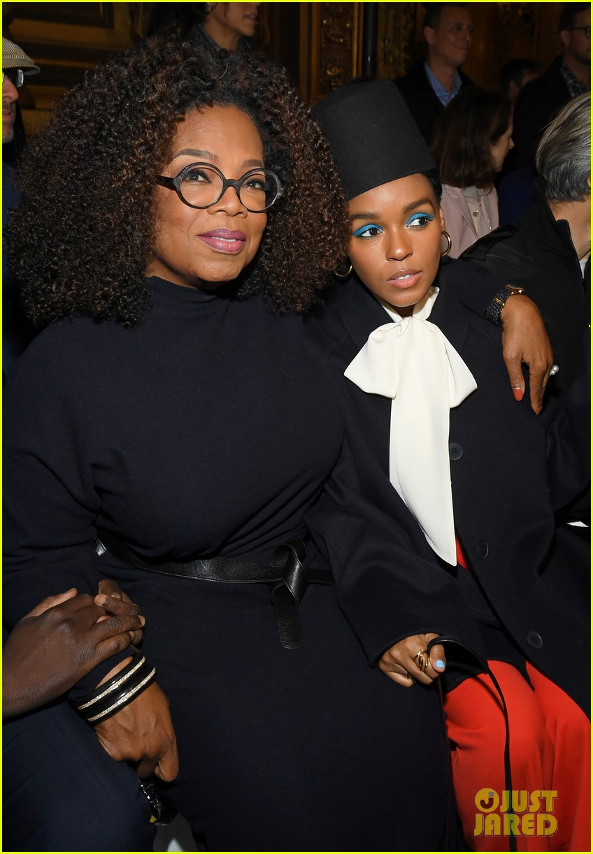 oprah winfrey joins janelle monae more front row at stella mccartney paris show 024251065