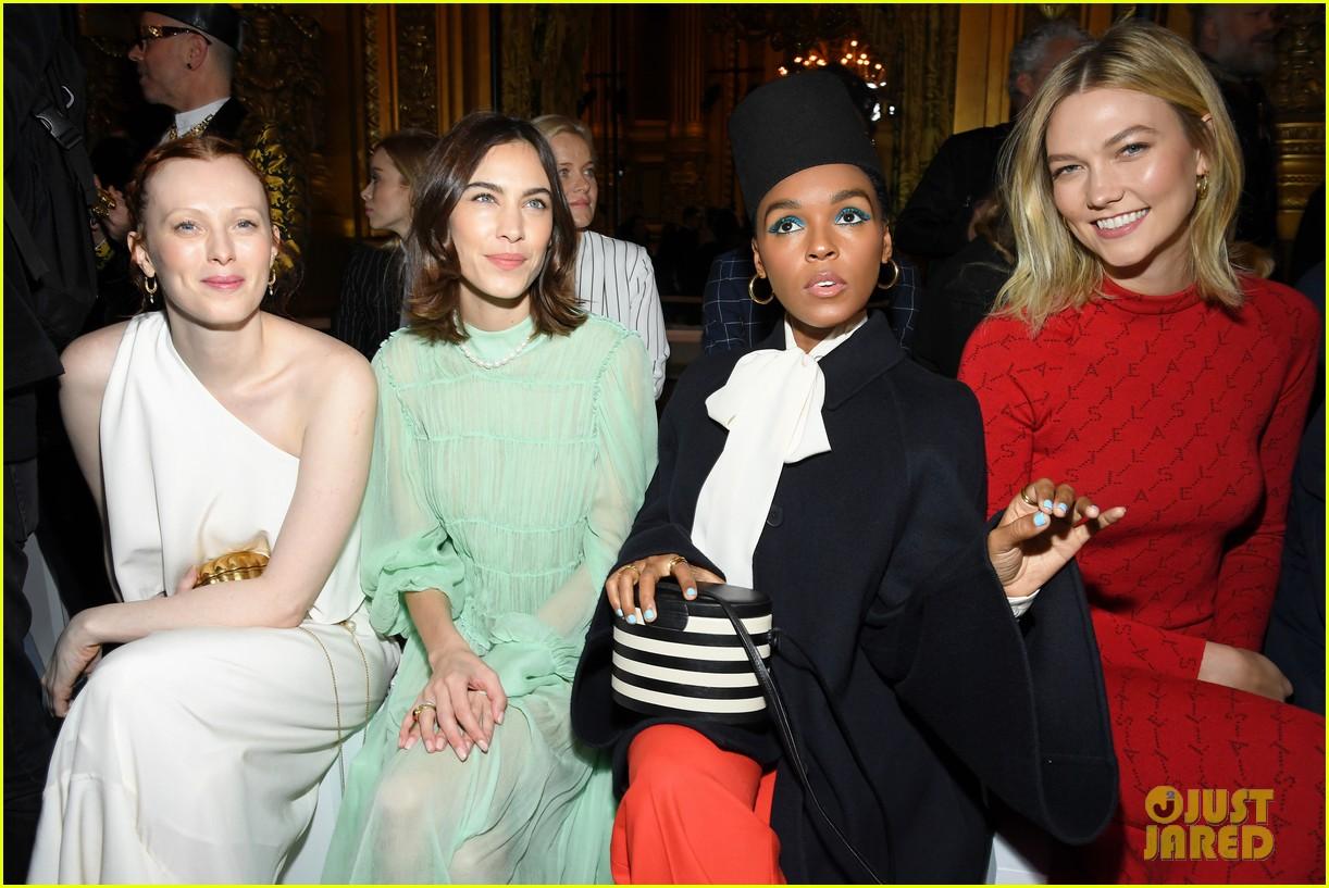 oprah winfrey joins janelle monae more front row at stella mccartney paris show 034251066