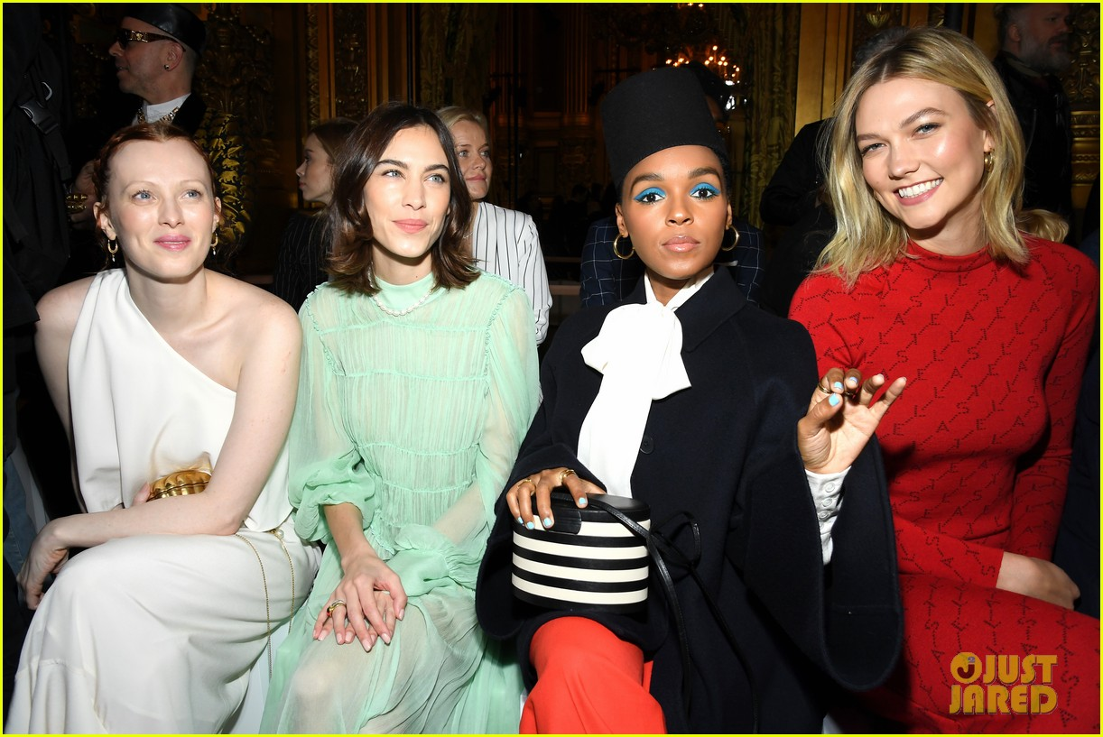 oprah winfrey joins janelle monae more front row at stella mccartney paris show 174251080
