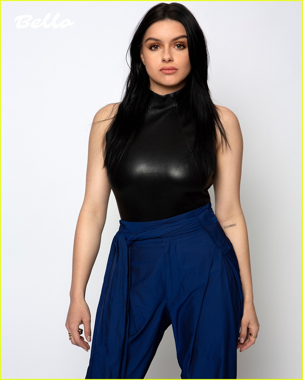 ariel winter pays homage to karl lagerfeld in new cover shoot 05