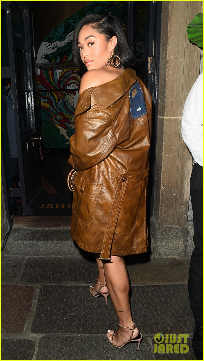 jordyn woods glows in gold while out for dinner in london 014262816