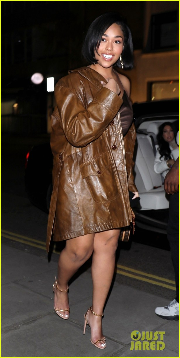 jordyn woods glows in gold while out for dinner in london 034262818