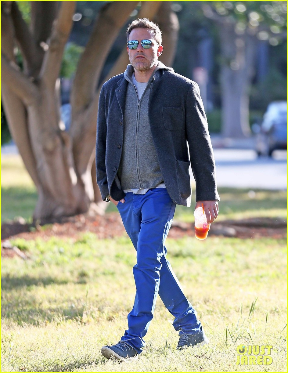 ben affleck grabs his morning coffee from dunkin donuts 01