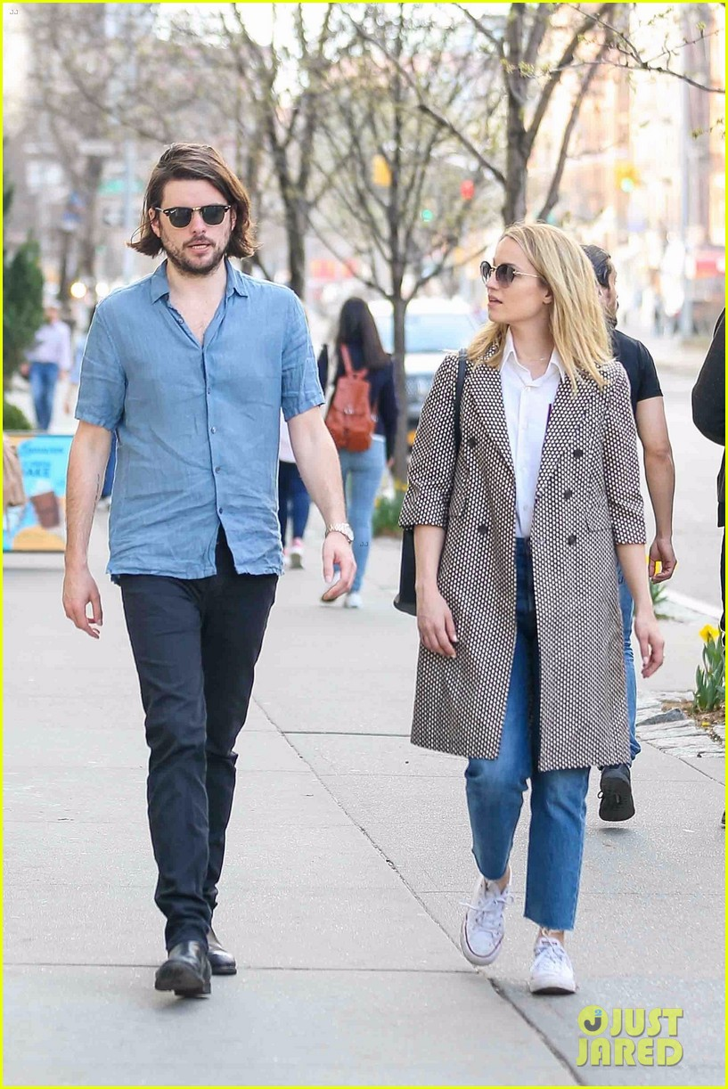 dianna agron and husband winston marshall take a stroll in nyc 05