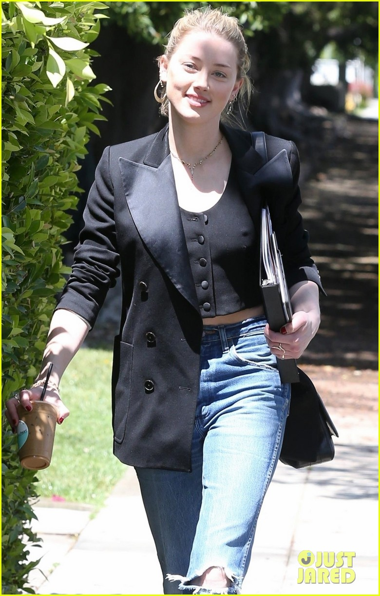 amber heard heads to business meeting in la 01