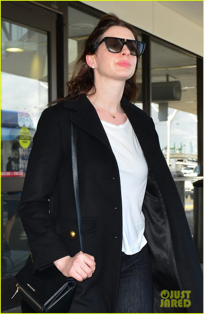 anne hathaway lax april 2019 014267080