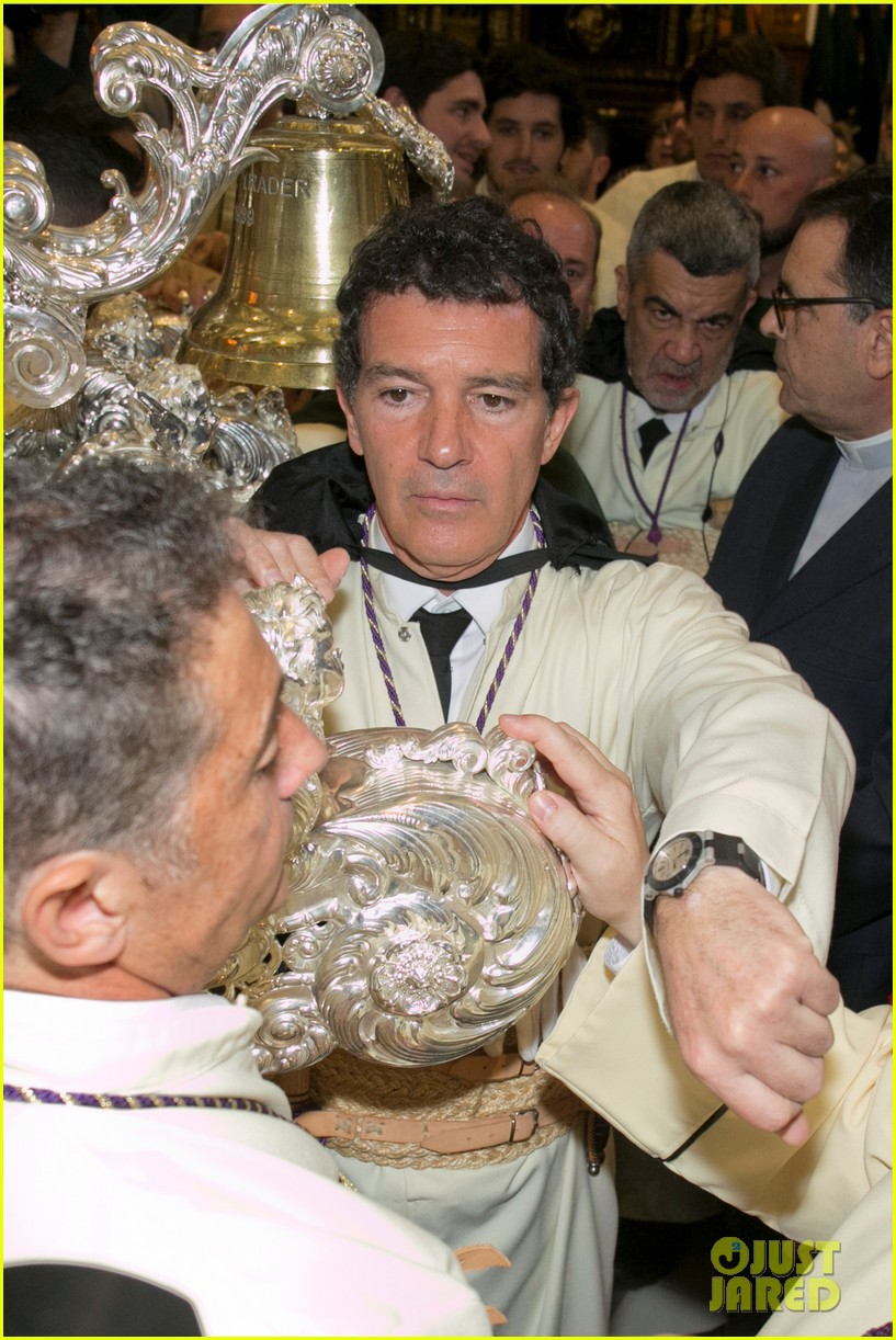antonio banderas nicole kimpel step out during holy week in spain 06