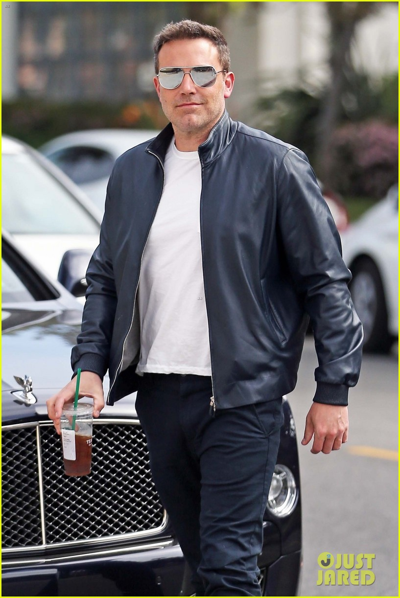 ben affleck pacific palisades april 2019 01