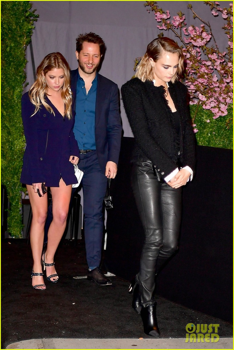 ashley benson and cara delevingne couple up for chanels tribeca film festival dinner 05
