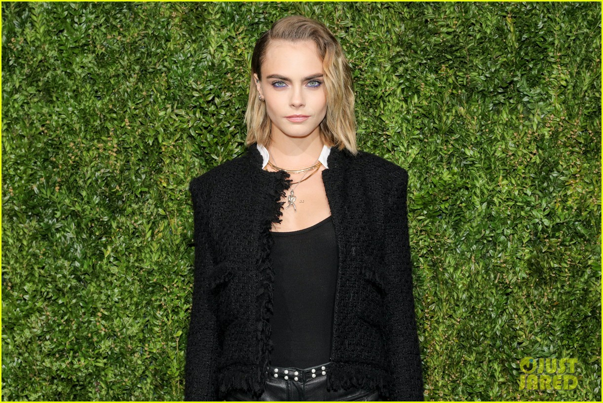 ashley benson and cara delevingne couple up for chanels tribeca film festival dinner 13