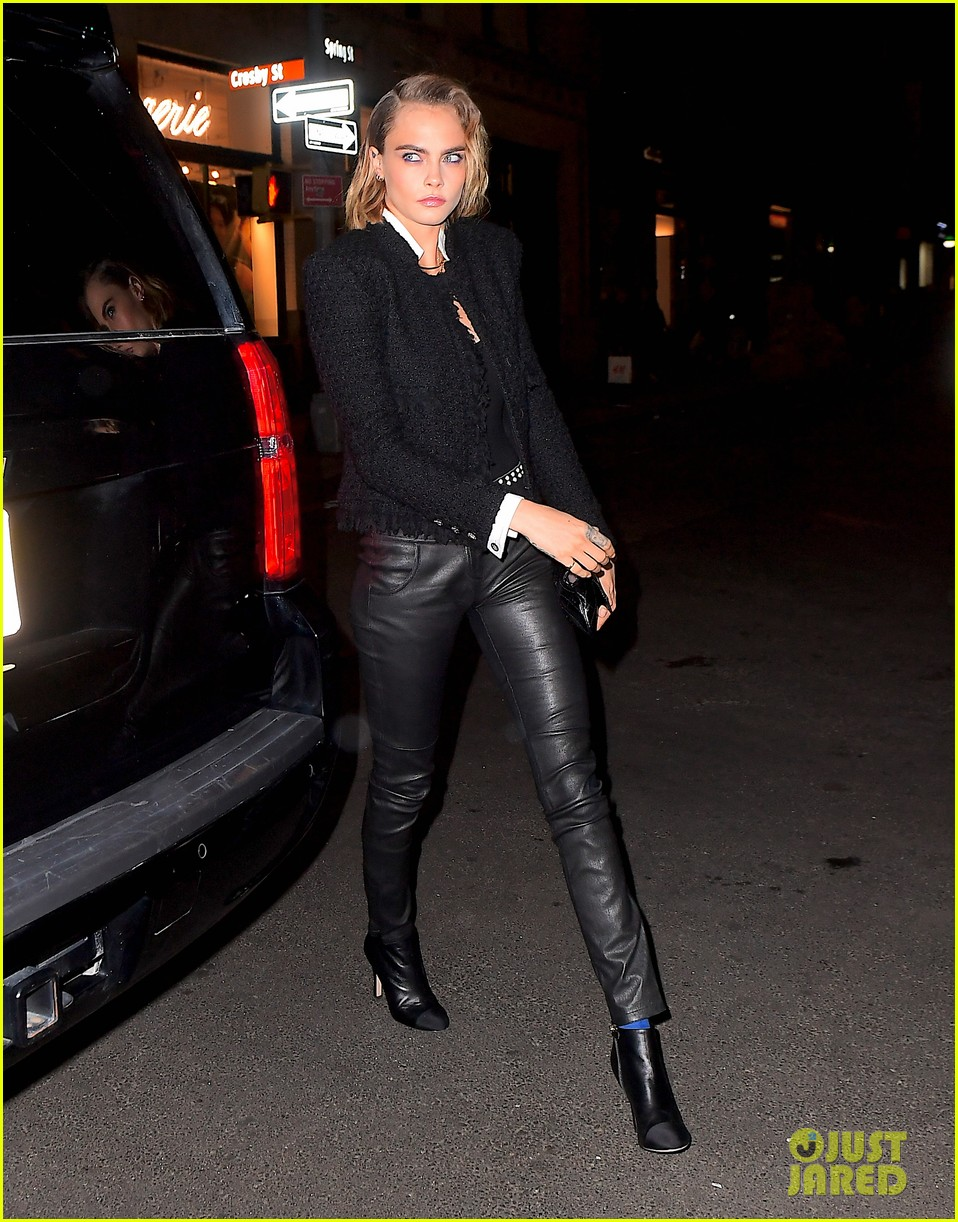 ashley benson and cara delevingne couple up for chanels tribeca film festival dinner 14