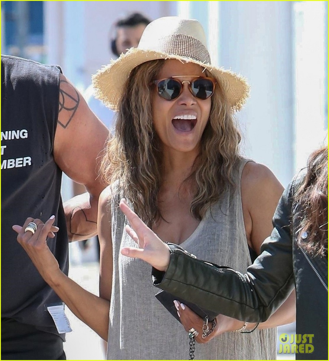halle berry is in a great mood after lunch with her friends 04