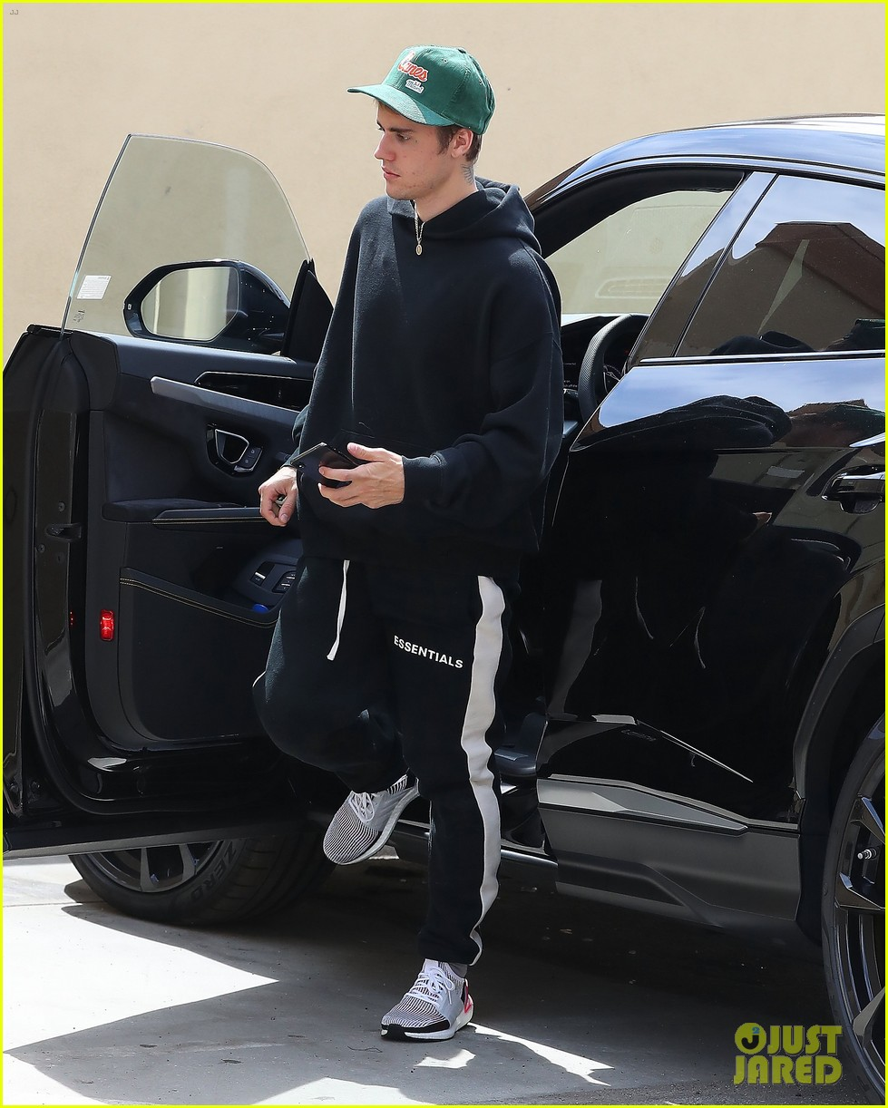 justin bieber stays in shape with a boxing workout in hollywood 05