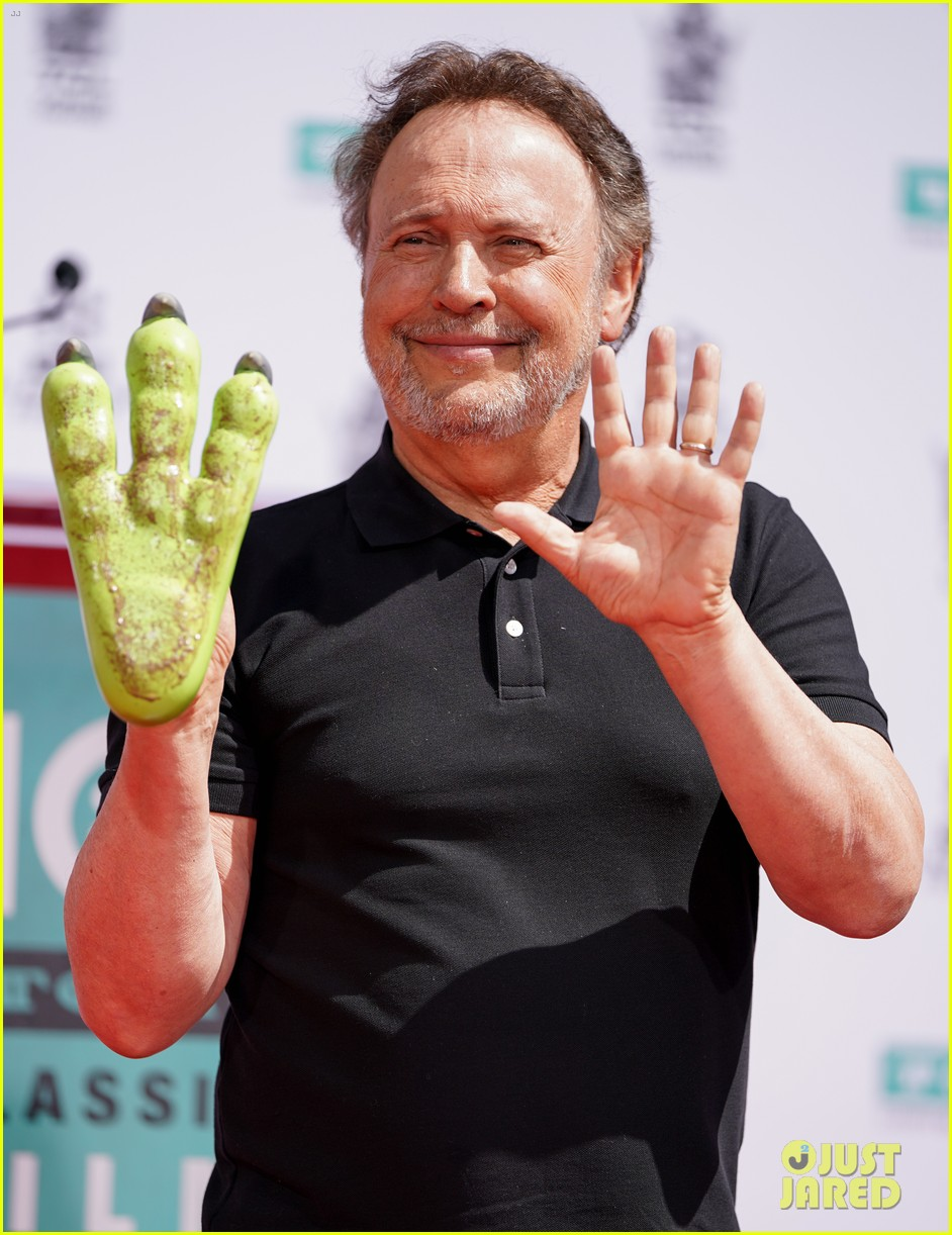 billy crystal hand and foot ceremony hollywood 044272079