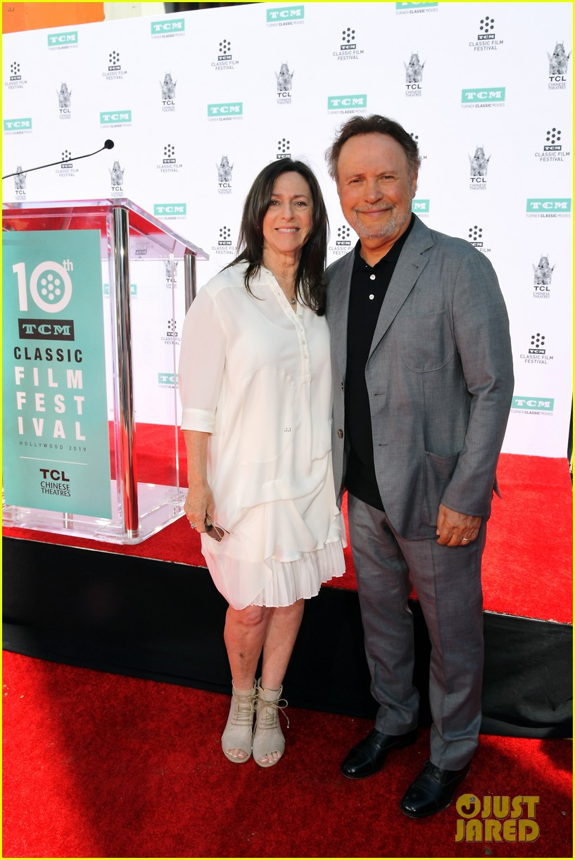 billy crystal hand and foot ceremony hollywood 054272080