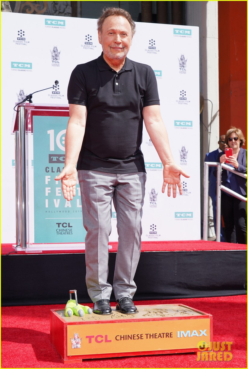 billy crystal hand and foot ceremony hollywood 174272092