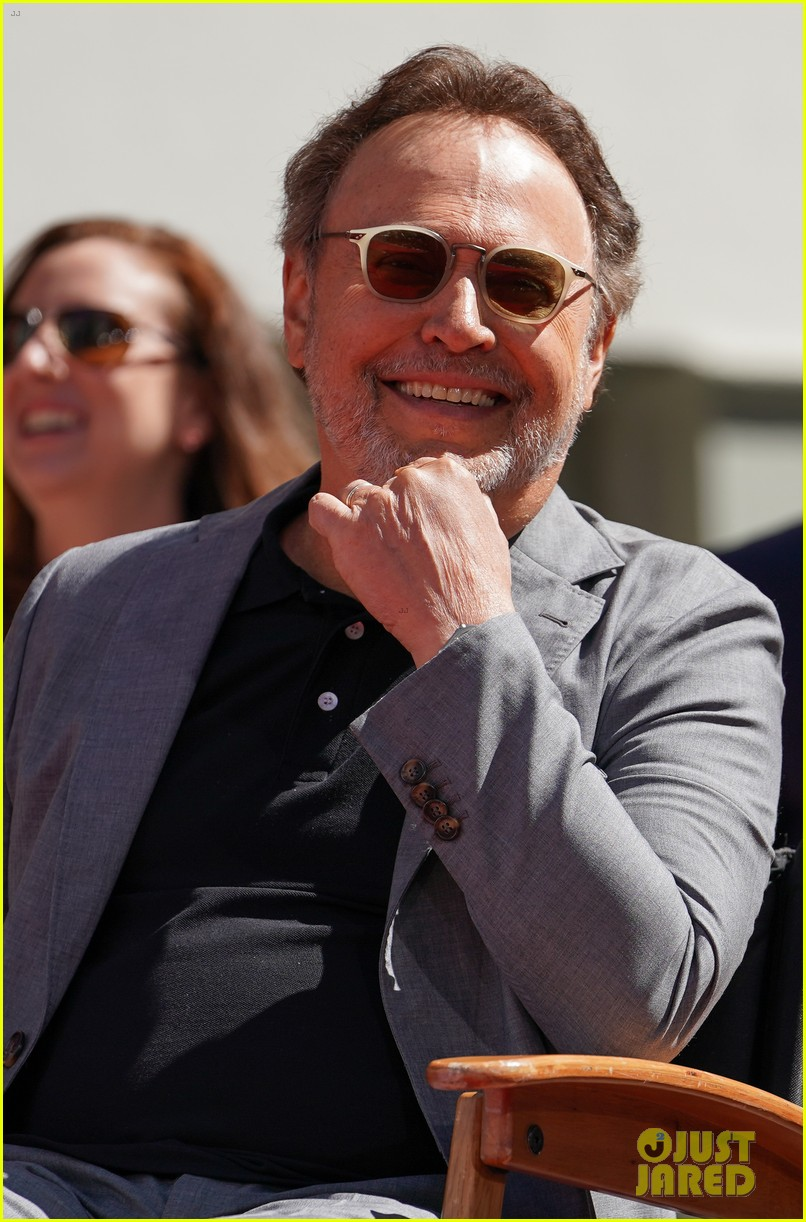 billy crystal hand and foot ceremony hollywood 204272095