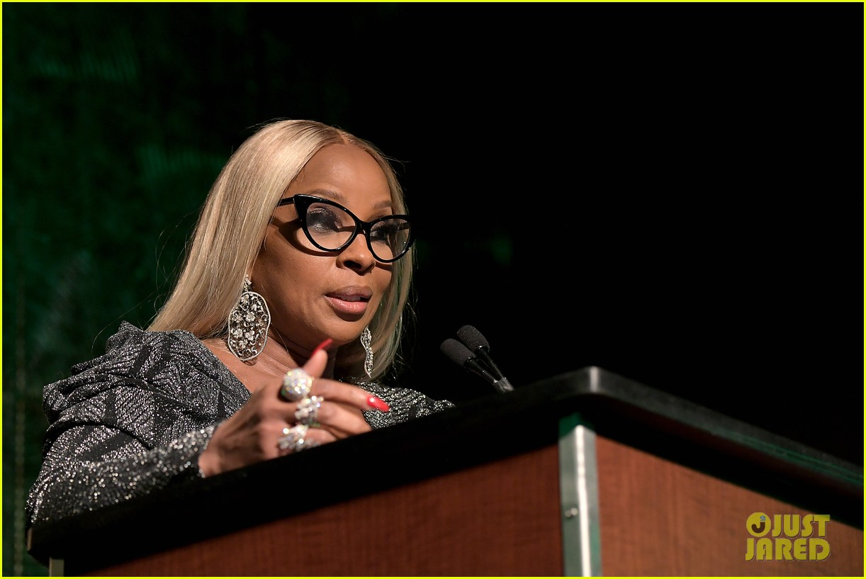 mary j blige robert de niro get honored at nans keepers of the dream gala 01