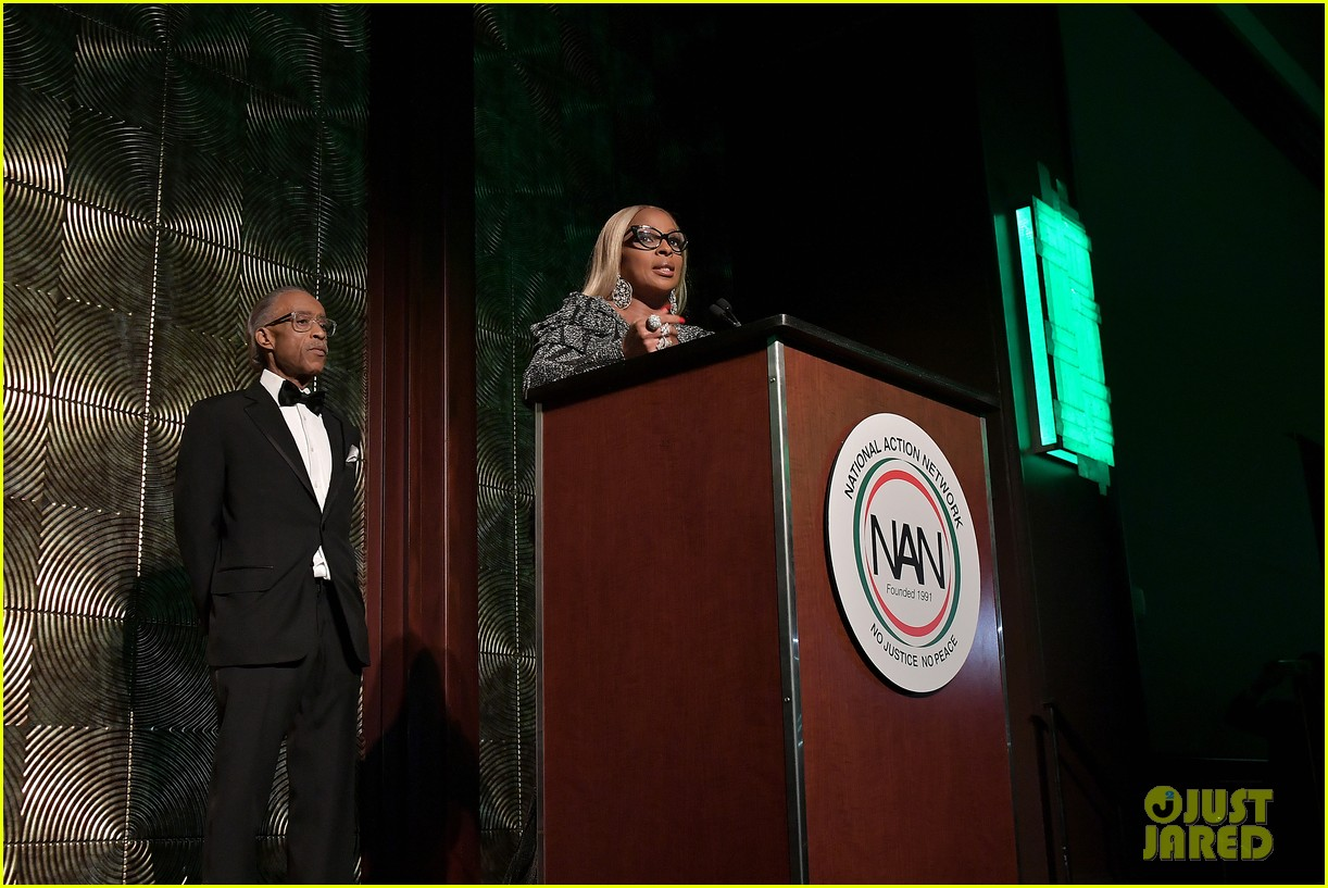 mary j blige robert de niro get honored at nans keepers of the dream gala 02