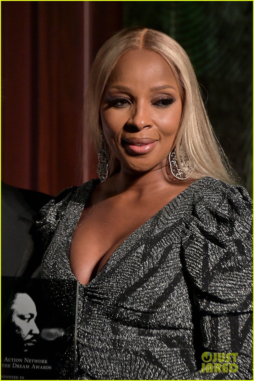 mary j blige robert de niro get honored at nans keepers of the dream gala 04