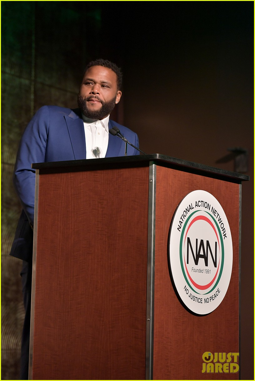 mary j blige robert de niro get honored at nans keepers of the dream gala 08