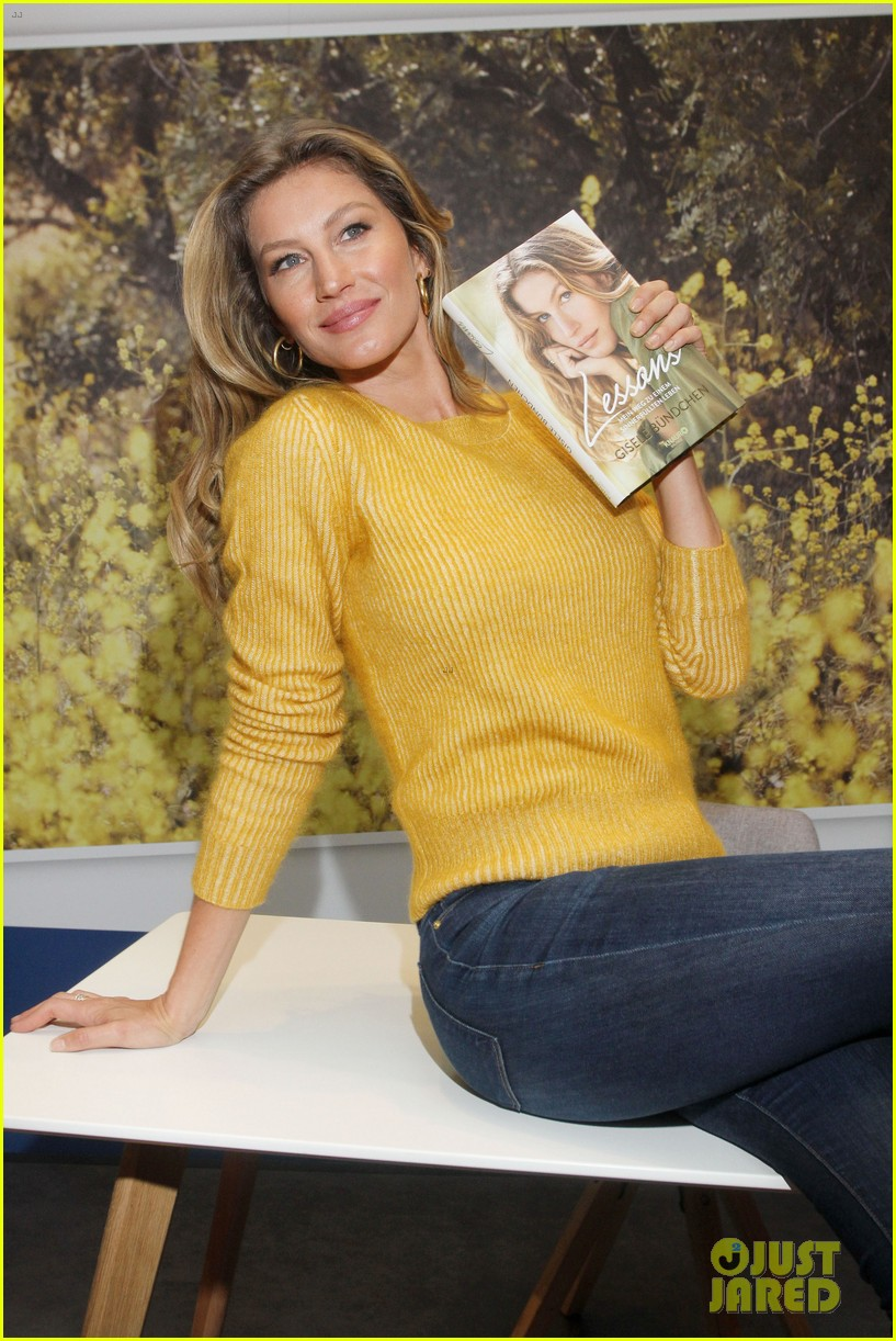 gisele bundchen launches book lessons in germany 014266615