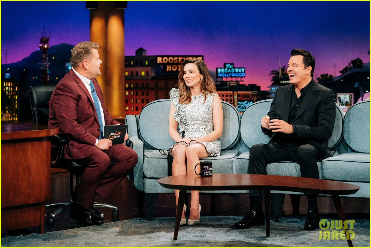 linda cardellini talks getting fired from family guy sitting next to seth macfarlane 02